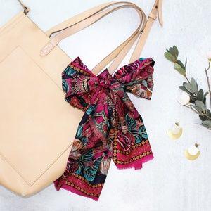 HP🎉 Oscar de la Renta Floral Silky Handkerchief